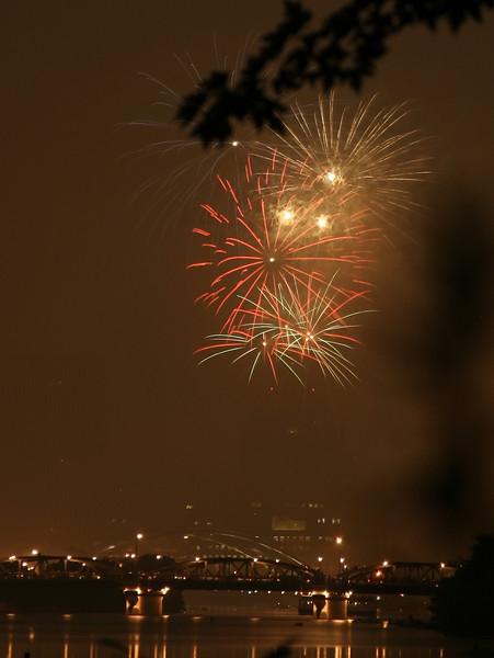 fireworks_18_07042007.jpg