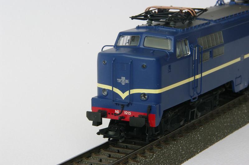 37121 NS 1215 4.JPG
