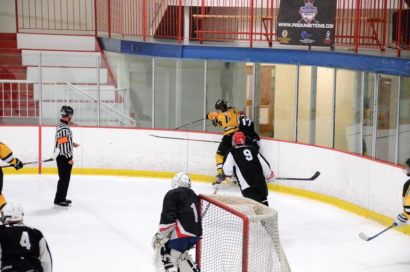 140913 Jr. Bruins vs. 495 Stars-011.JPG