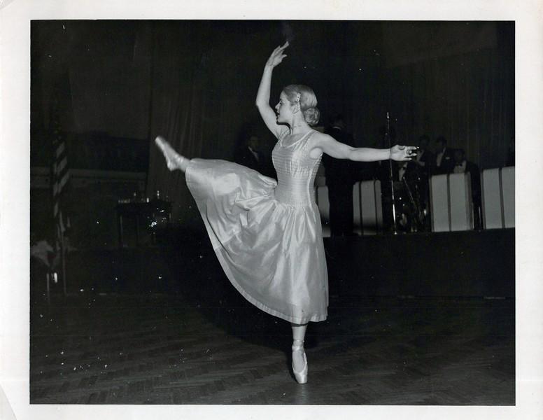 Dance_1185_a.jpg