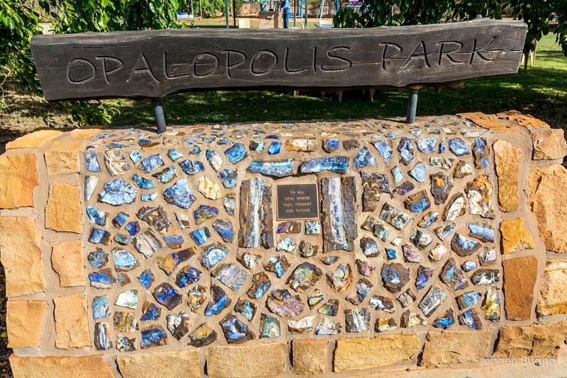 Eromanga memorial to opal miners.