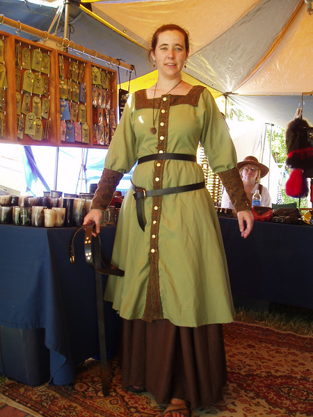 Leigh trying on a belt which she eventually purchased. It wraps around her waist twice.