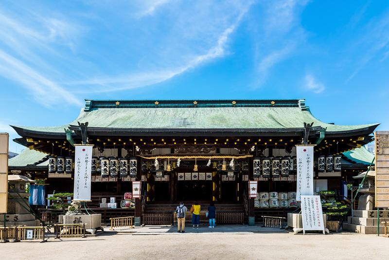 Osaka Tenmangu Shrine. Photo Credit: beeboys / Shutterstock.com