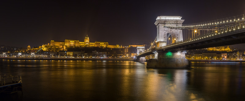 Buda Castle and Chain Bridge at night