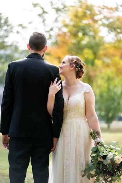 rustic_ohio__fall_barn_wedding-132.jpg