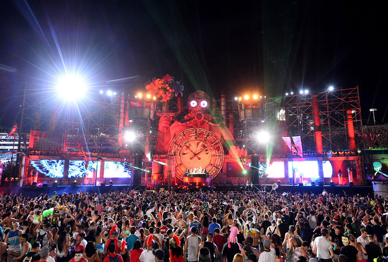 . The Organ Donors perform at the 17th annual Electric Daisy Carnival at Las Vegas Motor Speedway on June 23, 2013 in Las Vegas, Nevada.  (Photo by Ethan Miller/Getty Images)