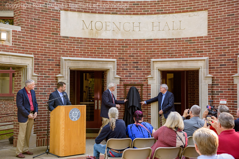 RHIT_Homecoming_2017_Moench_Bust_Dedication-21899.jpg