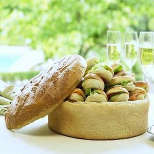 40320 Surprise bread with mini sandwiches