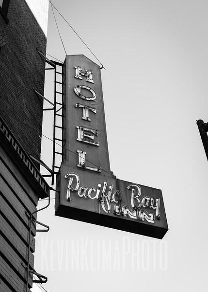 Pacific Bay Inn - Hotel