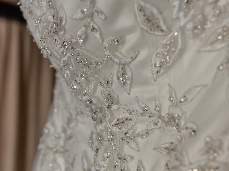 01 Bridal Prep-10.jpg
