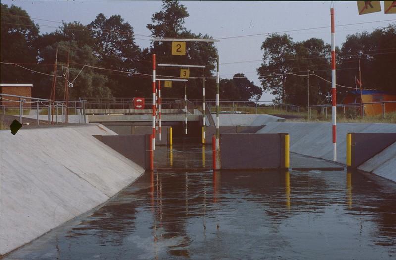 005-002 1984 Cardington, Div 3 (water off).jpg