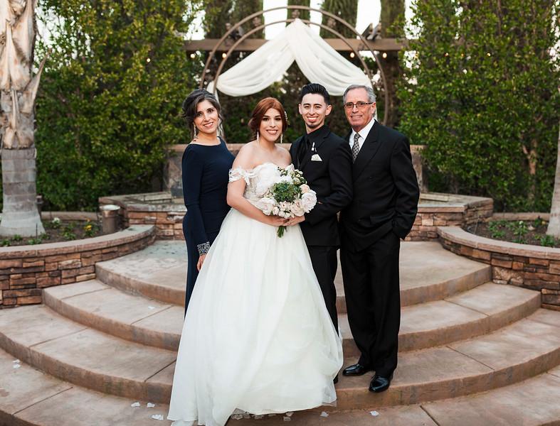 Alexandria Vail Photography Wedgewood Fresno Wedding Alexis   Dezmen548.jpg