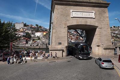 Wheels and people : Ponte Luiz 1