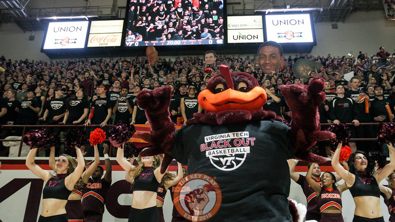 The Hokiebird, spirit squads, and student section all jump to Enter Sandman right before tipoff. (Mark Umansky/TheKeyPlay.com)