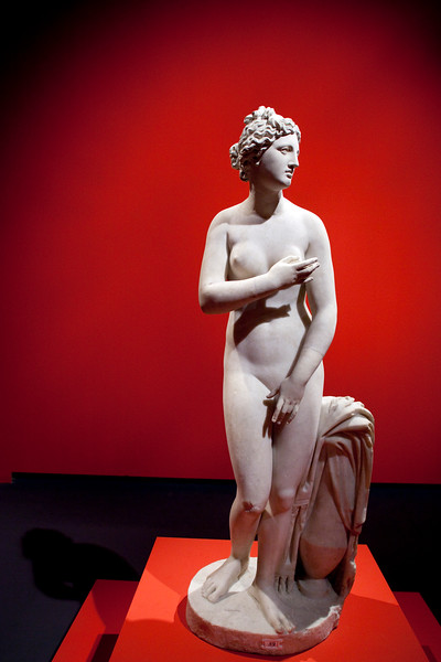 Aphrodita, Roman marble sculpture after a Hellenistic model, 2nd century, Pergamon Museum, Berlin, Germany