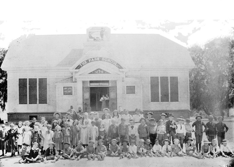 Students and teachers in front of the first Pass School in Hollywood, ca.1895