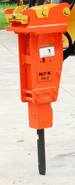 NPK PH2 hydraulic hammer with standard bracket on Deere mini excavator (24).jpg
