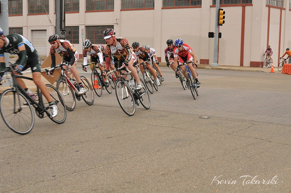 Baylor University Collegiate Road Races - Crit - Men B & Women A, Final 5 Laps