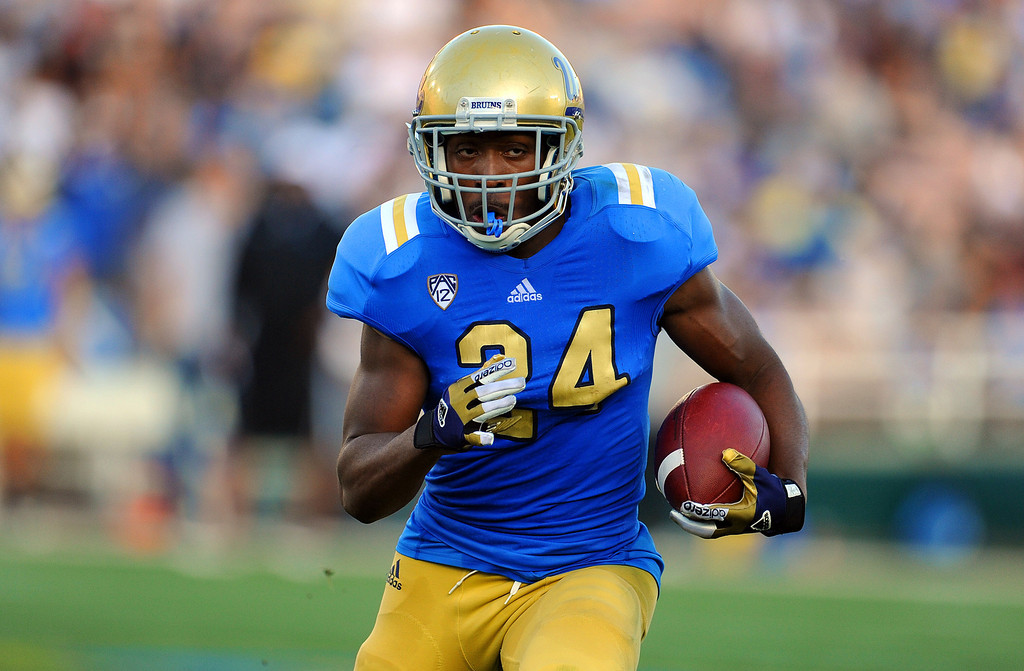 . UCLA running back Paul Perkins (24) during the football spring showcase college football game in the Rose Bowl on Saturday, April 27, 2013 in Pasadena, Calif.    (Keith Birmingham Pasadena Star-News)