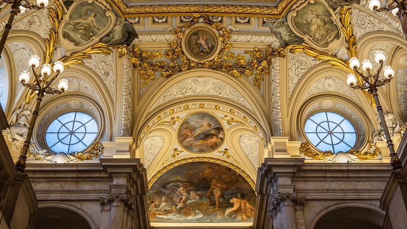 00424 Royal Palace 16x9.jpg