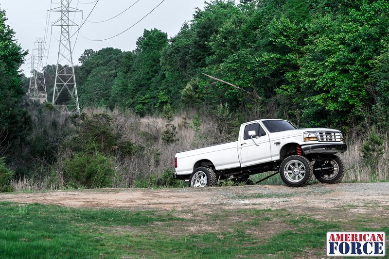 SDP-Kreg-O'Hara-White-1997-Ford-F250-24x12-Legend-@streetdieselperformance-170429-DSC05897-53.jpg