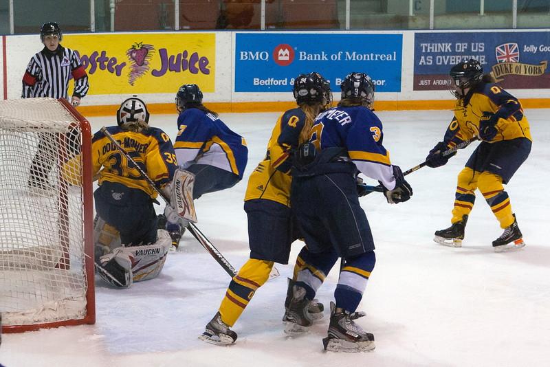 20130310 QWHockeyvsUBC 286.jpg