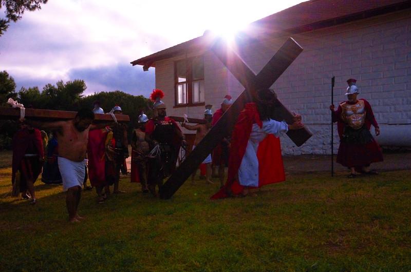 christ carries cross.jpg