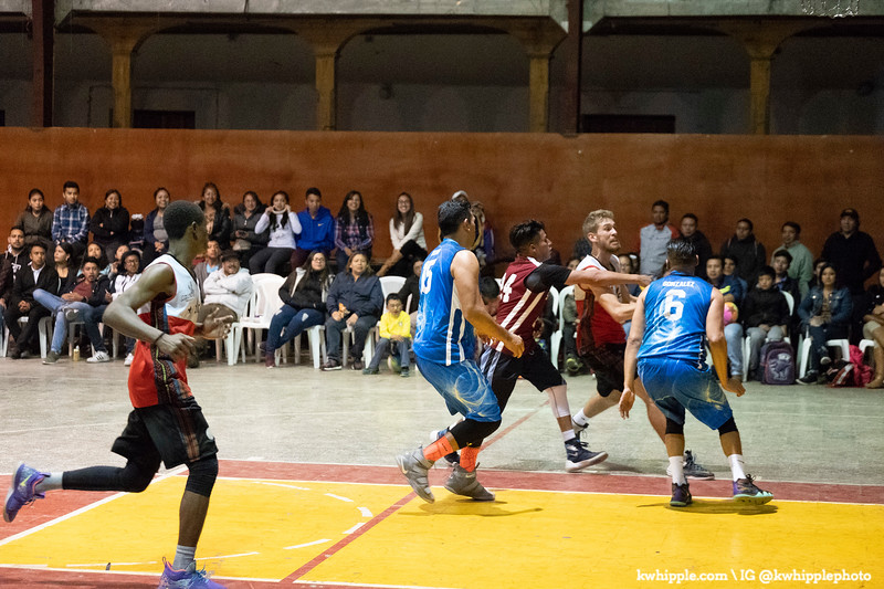 kwhipple_hoops_sagrado_20180726_0671.jpg