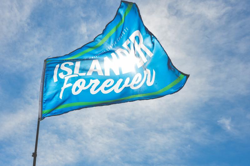 042517_IslanderForever-Flag-6586.jpg