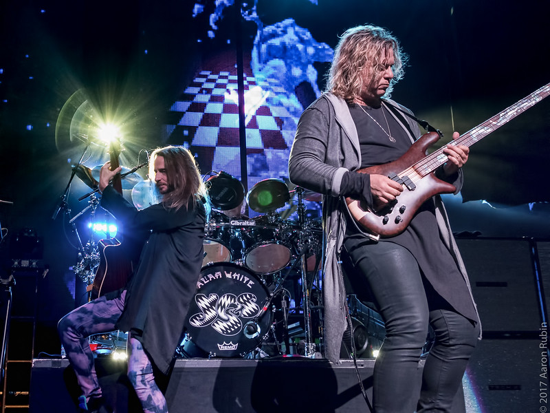 Yes at Warfield (10 of 29).jpg