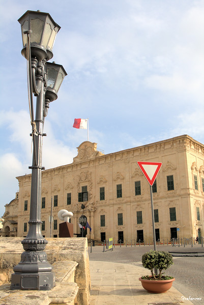 Valletta, Malta.     Auberge Castille      03/23/2019
