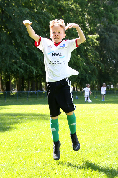 hsv_fussballschule-420_48047956041_o.jpg