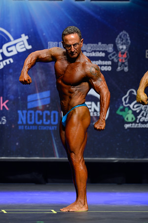 Novice Mens Bodybuilding Class Masters Open