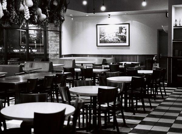 restaurant_by_victorg6546.jpg