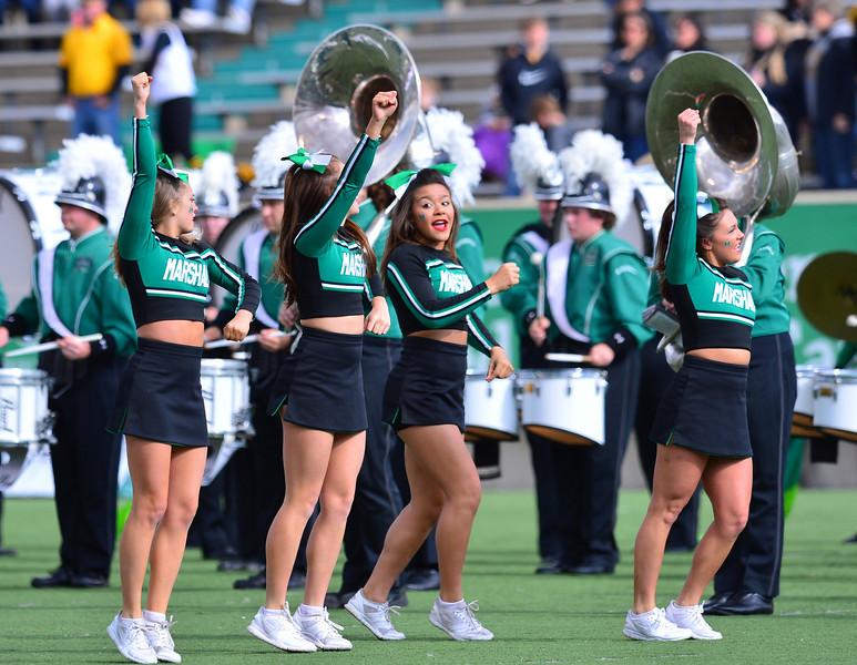 cheerleaders2884.jpg