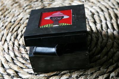 Laye DEMBELE ( Sénégal ) - Petites boîtes en métal