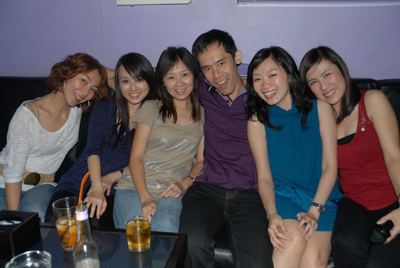 [20100219] Karaoke with ST Cousins @ Neway (24).JPG