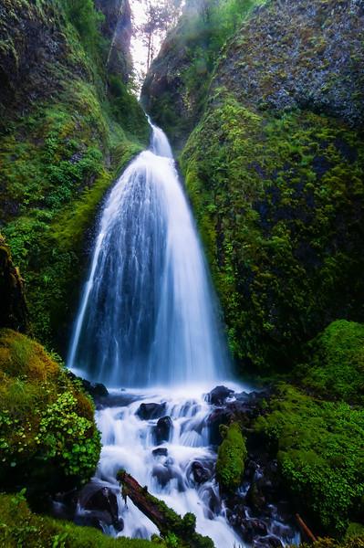 Waterfalls on Columbia River