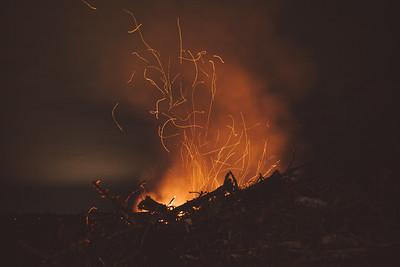 Kelly's Bonfire - Jimmie, Kelly, Nicole