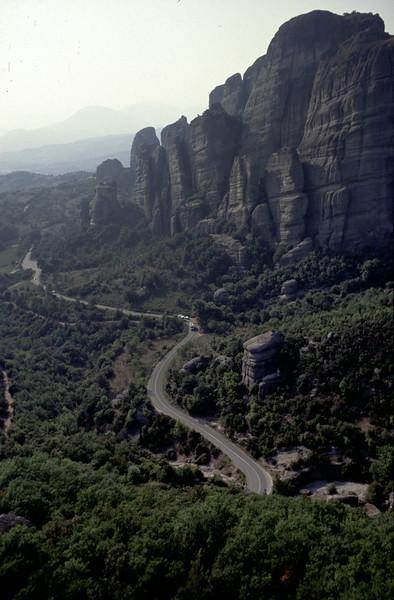 @RobAng 2003, Nord-Griechenland per Velo: Tag14-15 (im Auto nach Velo-Total-Defekt), Volos-Meteora-Igoumenitsa