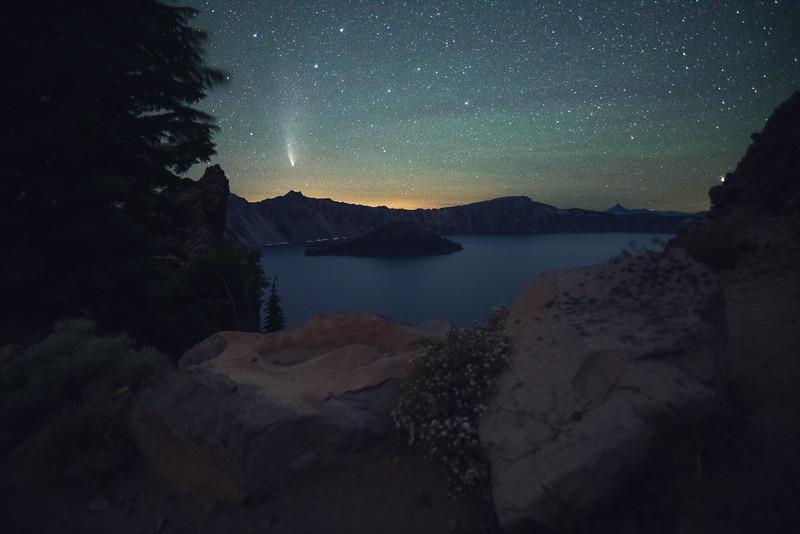 Crater Lake Comet 1.jpg