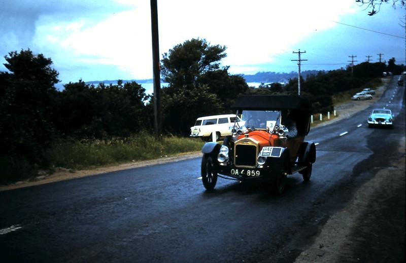1960-11-12 (20) Veteran cars @ Mount Martha.JPG