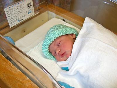 2007-12-6 Luke's Birth - Up