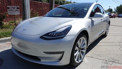 Tesla Model 3 - Silver Metallic (2)