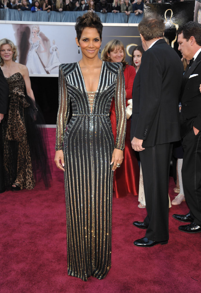 . Actress Halle Berry arrives at the Oscars at the Dolby Theatre on Sunday Feb. 24, 2013, in Los Angeles. (Photo by John Shearer/Invision/AP)