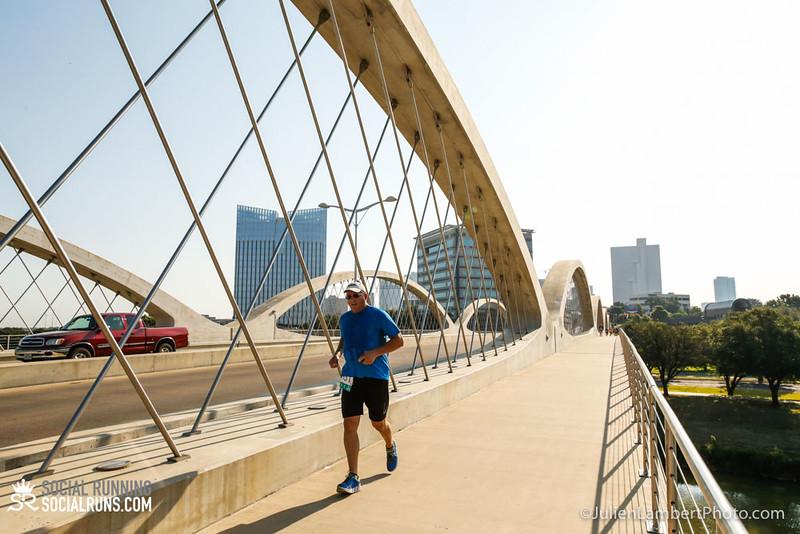 Fort Worth-Social Running_917-0376.jpg