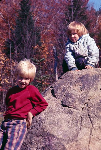 1975 10 Owen and Scott.jpg