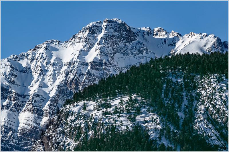 J85_3337 Backside Electric Peak LPNr3W.jpg