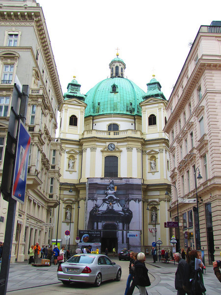 03-PetersKirche, 1702-1733. Fabric covers facade repair work.