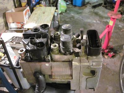 Integral ABS Modulator repair